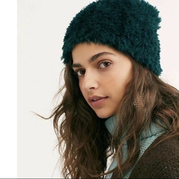 NWT Free People Head in the Clouds Fuzzy Beanie